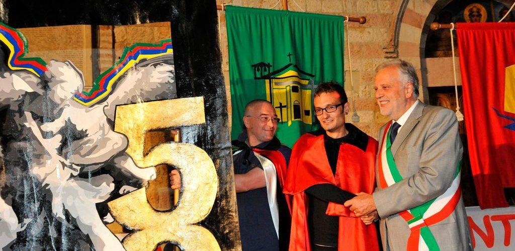 Il Presidente dell'Ente Palio Marco Gnavolini, Lorenzo Incontri il Capitano di Moncioveta e il Sindaco di Bastia Umbra Stefano Ansideri