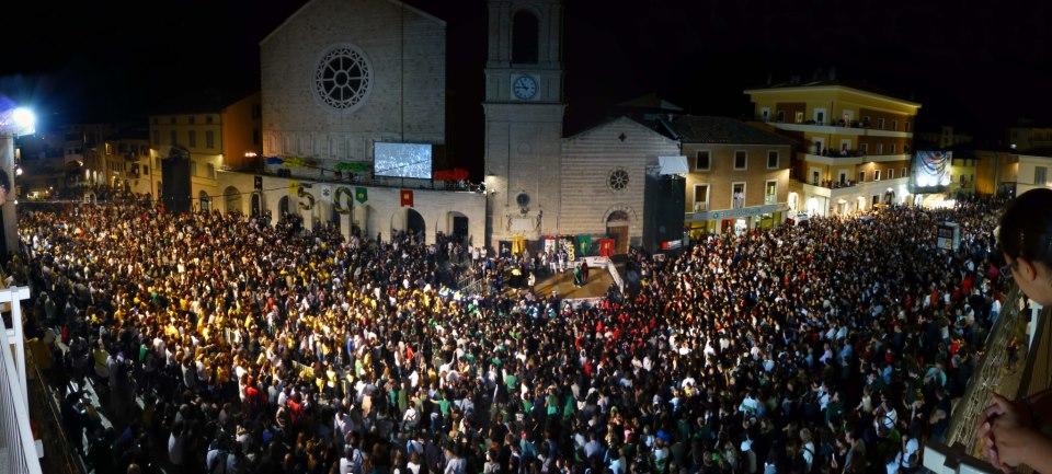 Piazza Mazzini durante il Palio