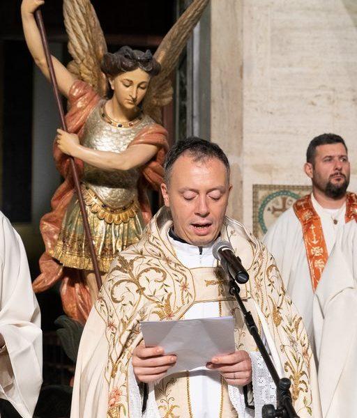 2019 Cerimonia d'Apertura - Il Parroco Don Marco Armillei