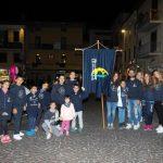 Il capitano Stefano Lombardi con i bambini del rione Portella